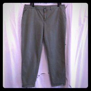 GAP broken-in straight Khakis sz 14